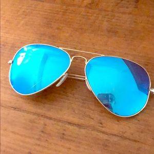 Ray Ban aviators with blue lenses- non polarized